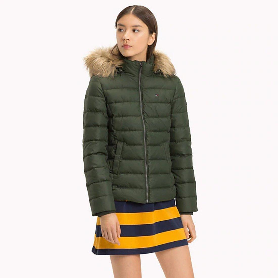 70048b972 Tommy Hilfiger dámska zelená páperová bunda Essential - Glami.sk
