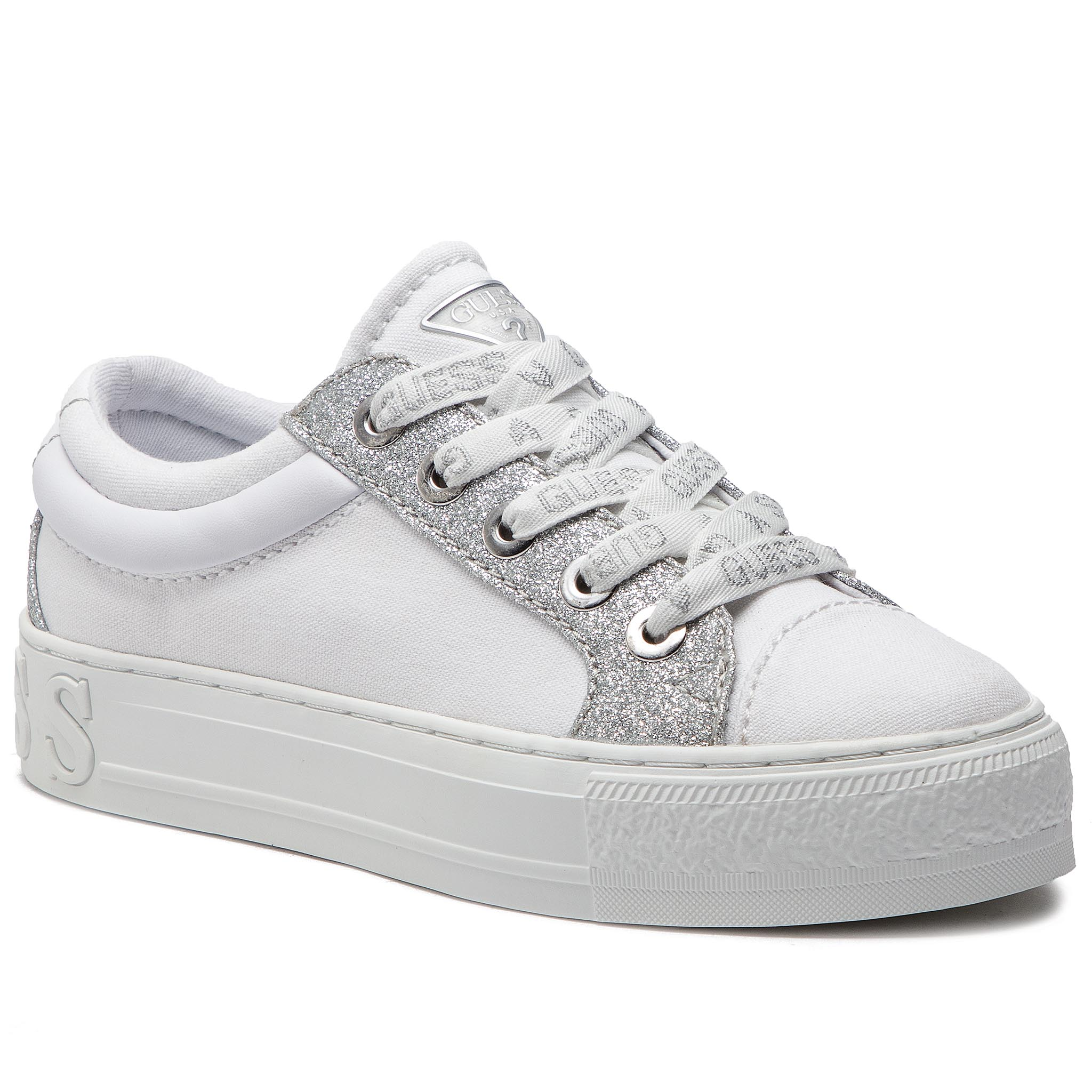 d6de0c6b665f0 Sneakersy GUESS - FL5LY5 FAB12 WHITE - Glami.sk
