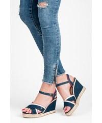 84dc9a33d1324 Dámske sandále z obchodu CasNaTopanky.sk   540 kúskov na jednom ...