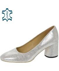 8483caec3160b Dámske topánky z obchodu Svettopanok.sk   390 kúskov na jednom ...